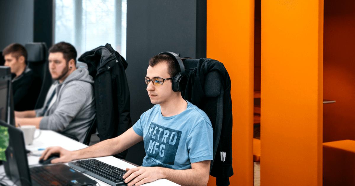 Szoftverfejlesztő állás a LogiNetnél: értékteremtő munka, jó közösségben